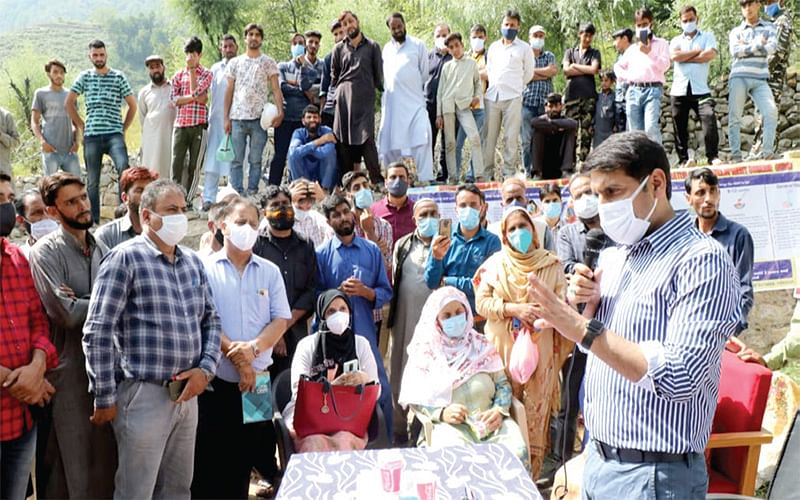 DC Srinagar conducts extensive tour to remote areas of Harwan Block