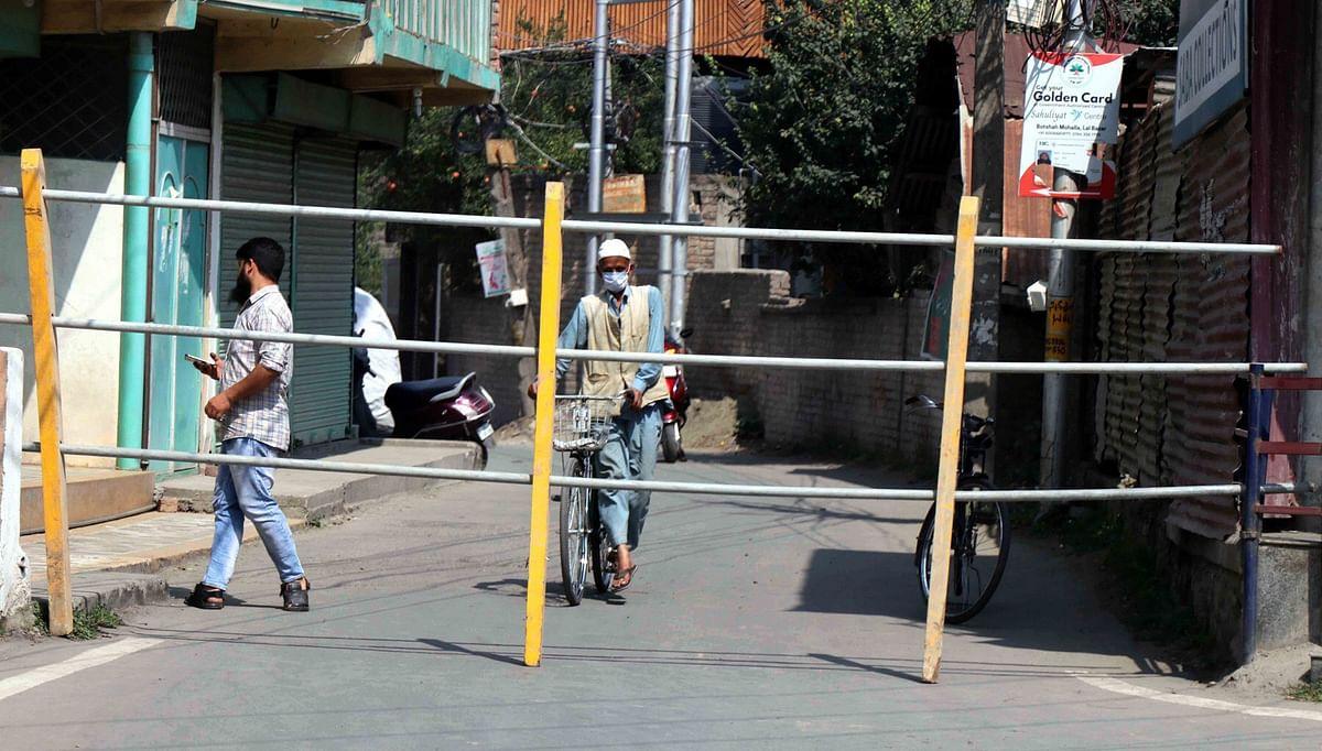 7 Srinagar localities sealed