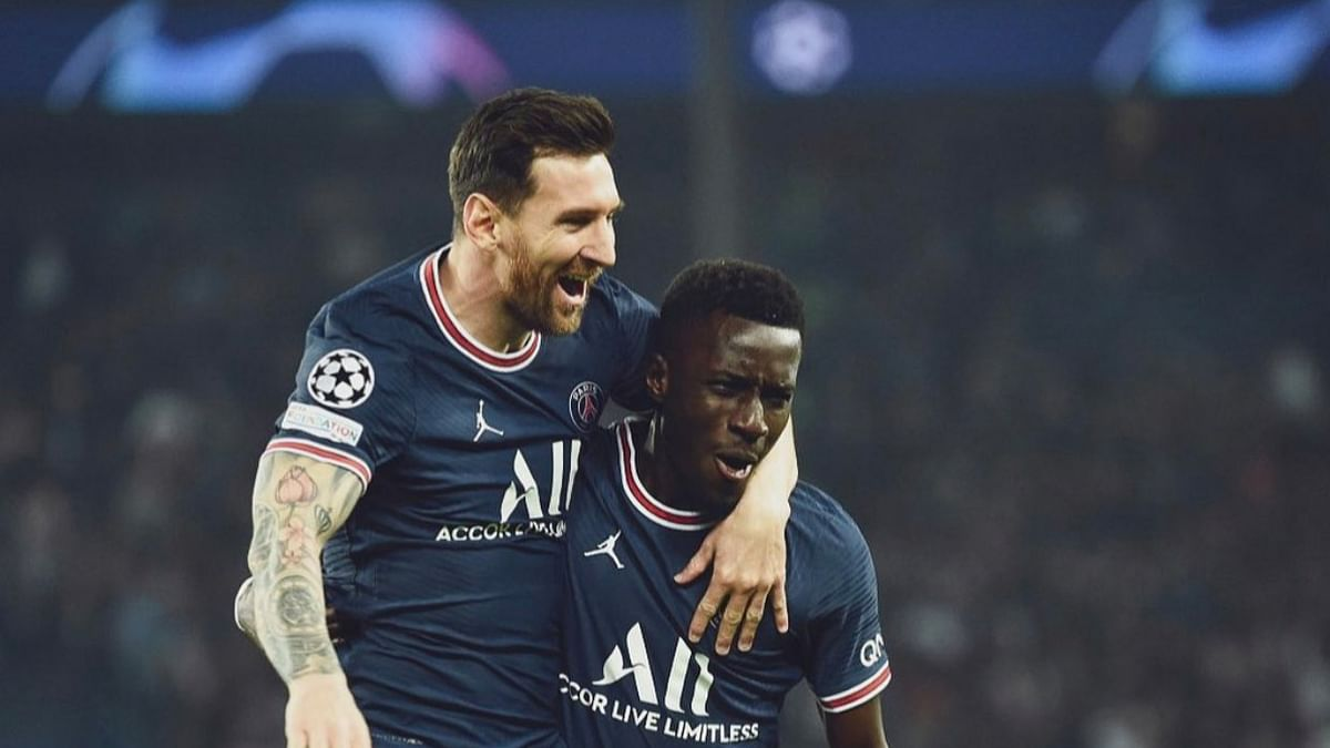 Messi scores superb 1st goal for PSG in 2-0 win against City