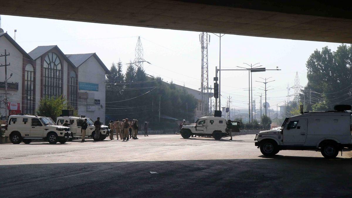 Separatist leader Syed Ali Geelani laid to rest in Srinagar