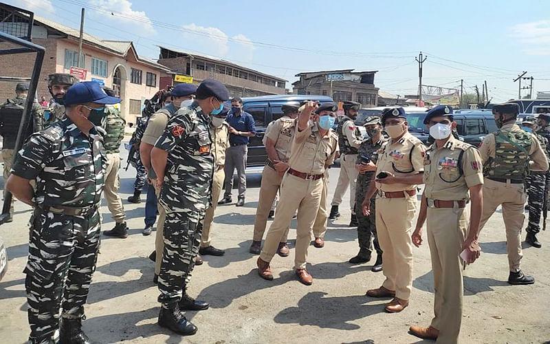 DGP reviews ground situation in Srinagar