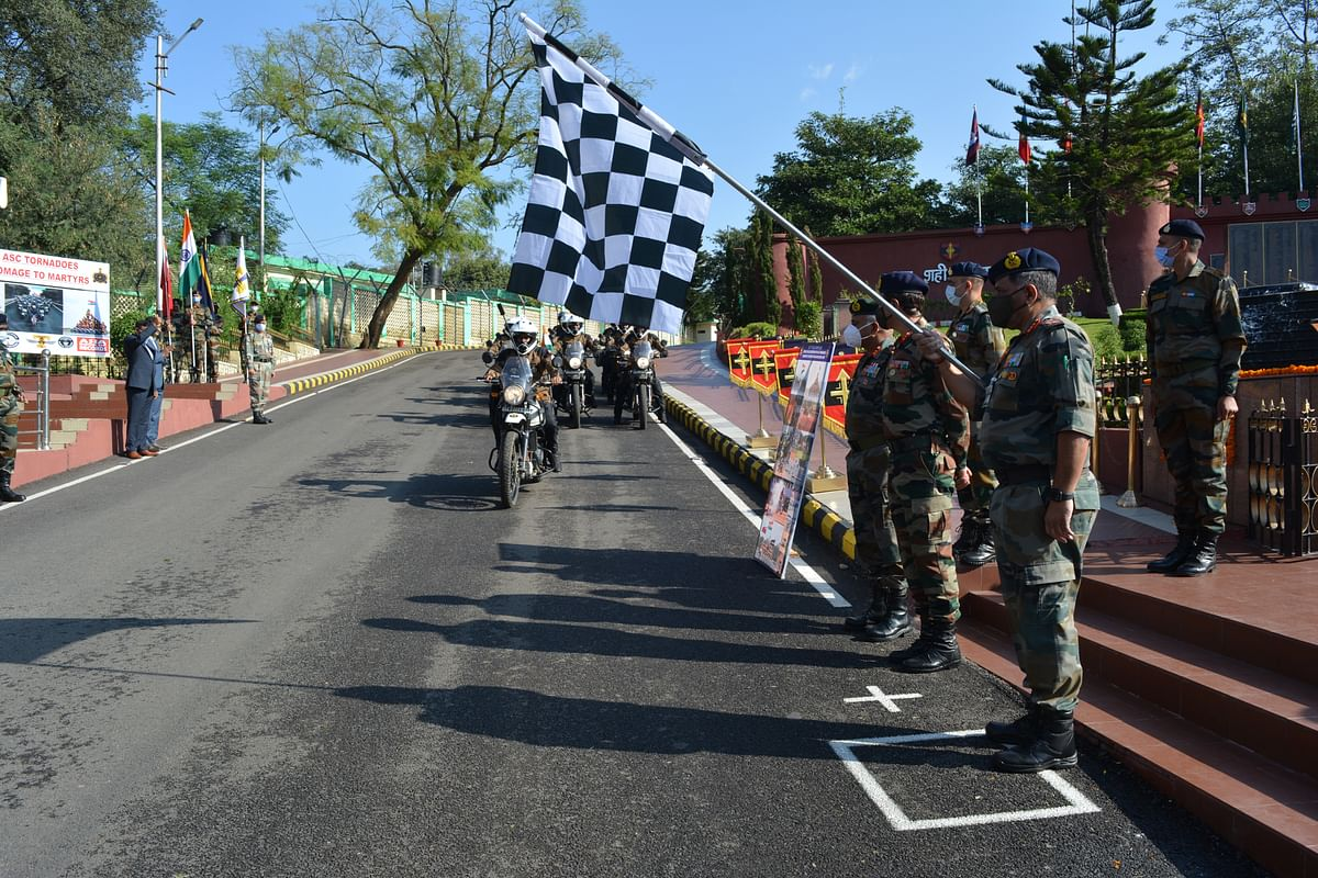 Army flags off motorcycle expedition 'Tornadoes' from Udhampur