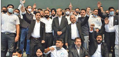 Jammu witnesses protests against Kashmir killings