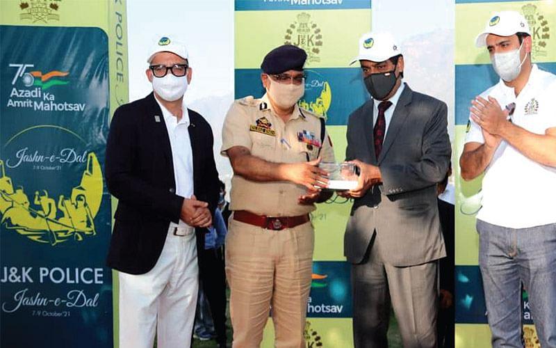 Azadi ka Amrut Mahotsav   Police's mega water sports event Jashn-e-Dal concludes