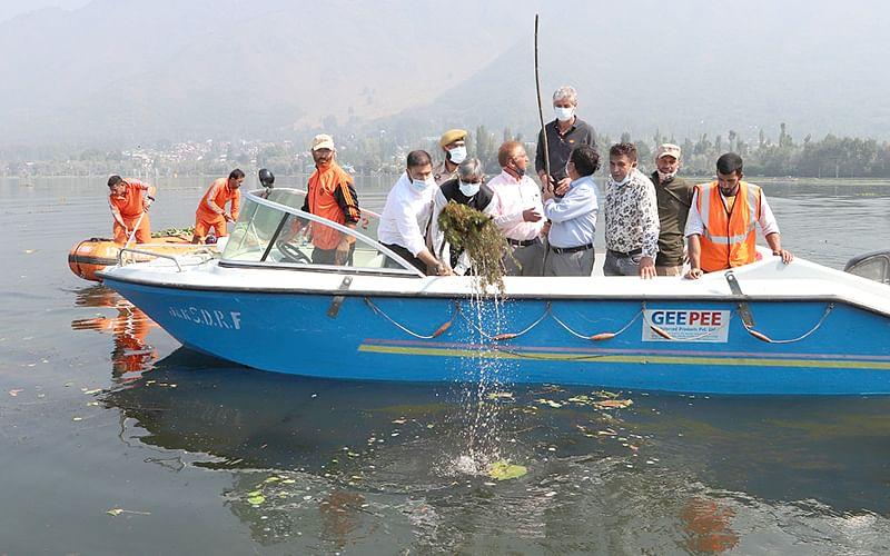 Dal cleaning initiative gains momentum
