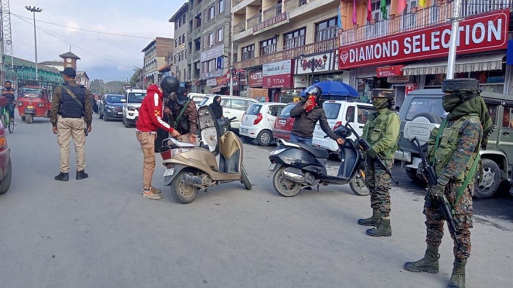 Seizure of bikes, Internet suspension not related to Amit Shah's J&K visit: police