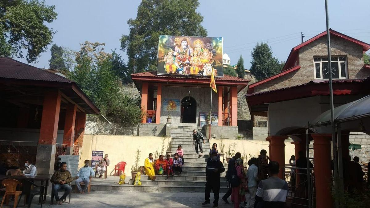 Kashmiri Pandits perform Mahanavami Puja in Srinagar