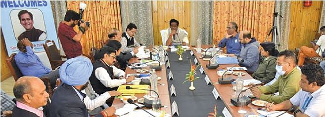 Union MoS Railways reviews pace of progress on Katra-Banihal section of USBRL project