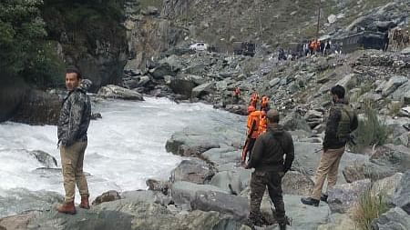 Sonamarg bulldozer accident: Search continues for missing helper