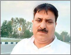 GOOD SAMARITAN  Handwara man voluntarily drives deceased Pandit's family to Nagrota