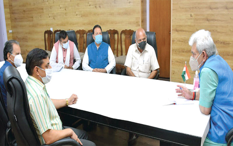 DDC Chairpersons, former legislator, public delegations call on LG