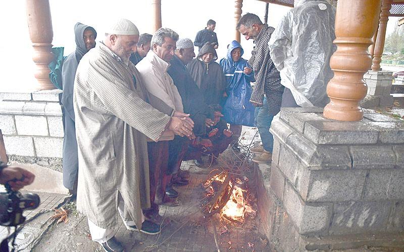 Snow, heavy rainfall wreak havoc in Kashmir