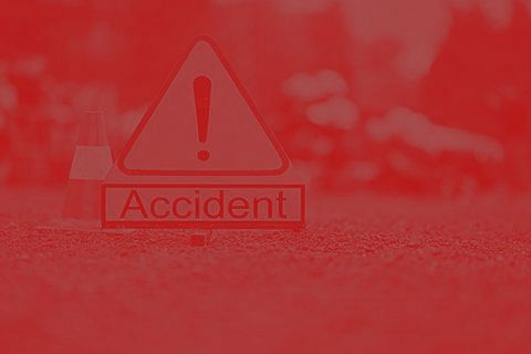 2 killed, 14 wounded in road accidents