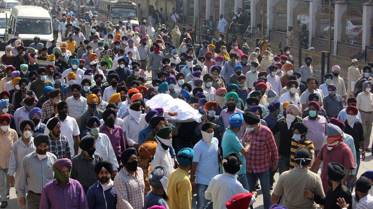 Slain school principal cremated in Srinagar amid protests by Sikh community