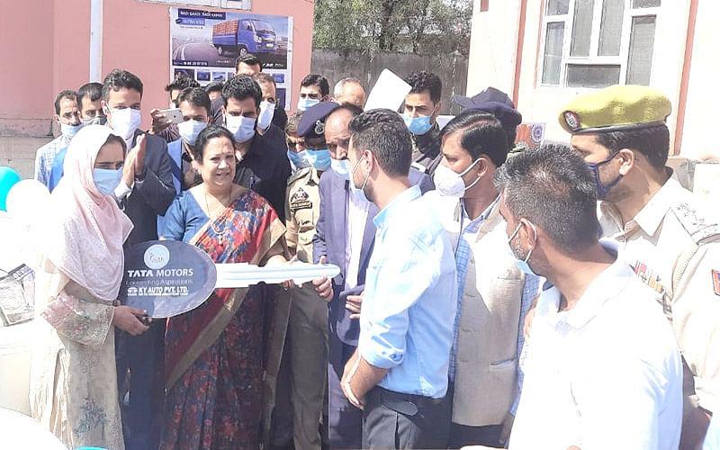 PM focused to make J&K prosperous, developed: MoS Textiles, Railways