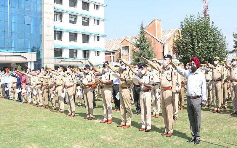 J&K Police organise Swachhta Pledge ceremonies across J&K