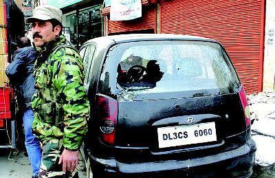8 hurt in LalChowk grenade attack