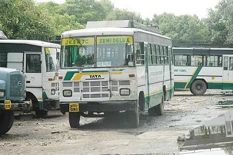 Govt allows conditional inter-state movement of SRTC buses