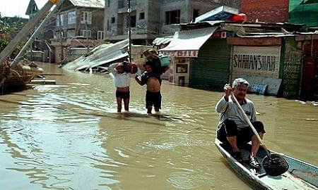 Flood hit Jawahar Nagar cries discrimination in relief distribution