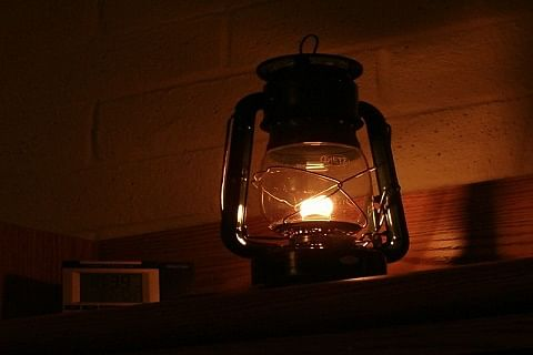 Rose Avenue residents complain of power mess