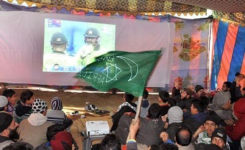 Indo-Pak cricket hits Sunday Market