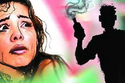 Girl, 17, attacked with acid in south Kashmir's Shopian
