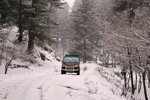 Geared up for snow clearance: Shopian administration