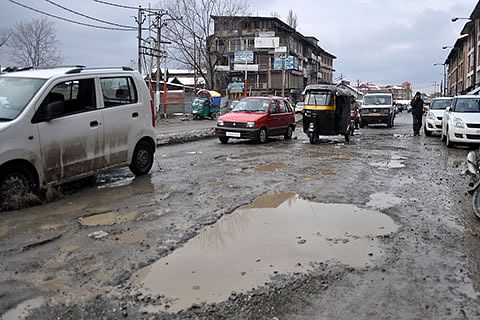 Dilapidated condition of Hidyal-Tund road irks residents