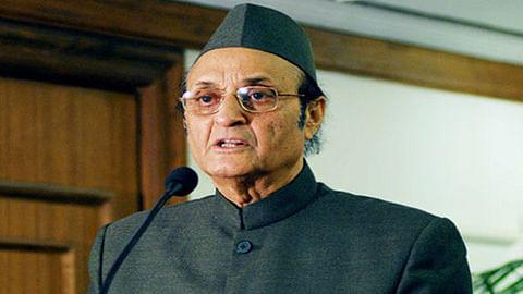 PM's meet with JK leaders positive step: Karan Singh