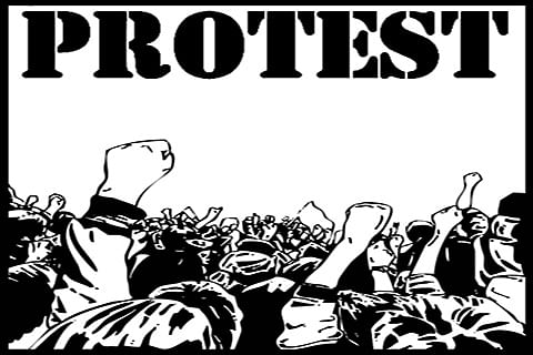 Pulwama employees stage protest