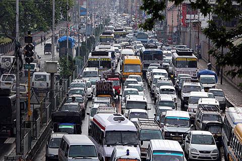Traffic jams take sheen off Srinagar
