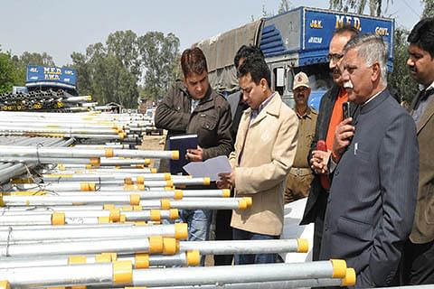 Repair irrigation channels for proper distribution of water: Minister