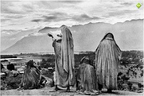 Restoring Kalhana's Kashmir?