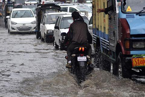 Rains lash Kashmir Valley; drainage system blocked in Srinagar