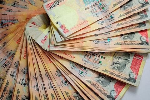 Senior govt official caught while accepting bribe in Budgam