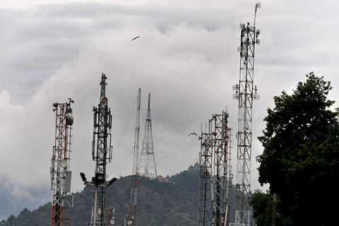 Attacks on mobile towers matter of concern: Army commander