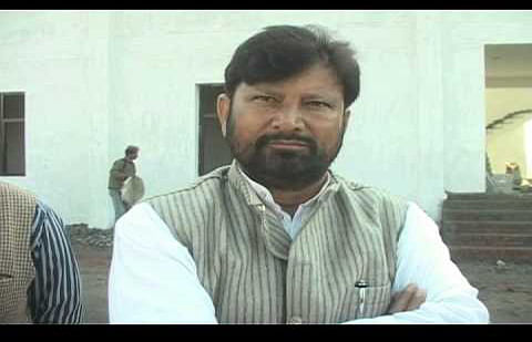 Lal Singh seeks new plans for improving functioning of AMT School