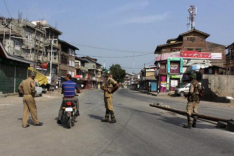 Kashmir shuts on August 15