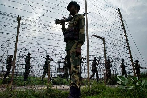 Kashmir border heats up on I-Day