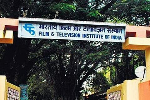 FTII row: I&B team arrives in Pune, raises hopes of resolution