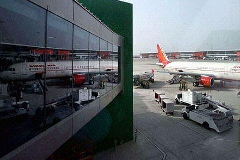 """3 int""""l flights disrupted after hoax bomb call in Delhi"""