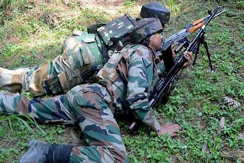 Soldier injured as India, Pakistan trade fire in Kashmir