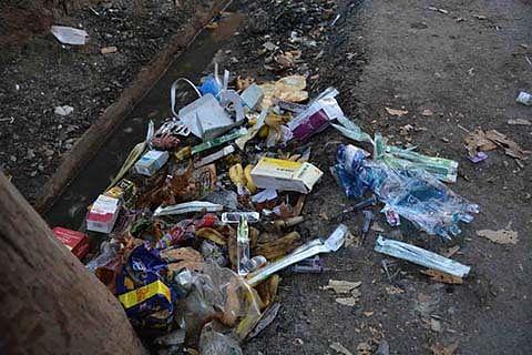 Bio-medical waste outside hospitals raises infection risk