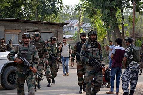 Dogripora gunfight: 2 children 'hit by pellets' during protests