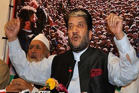 Shabir Shah's party supports Geelani's HMT Chalo call on Nov 11