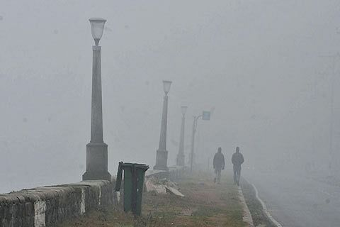 All flights to Kashmir Cancelled as fog thickens