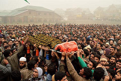 Salahuddin pays tribute to slain militants; 'Informers identified'