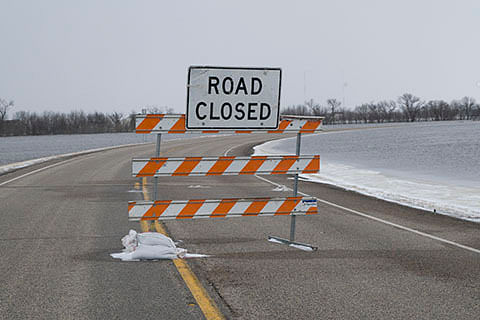 Mughal road closed after fresh snowfall