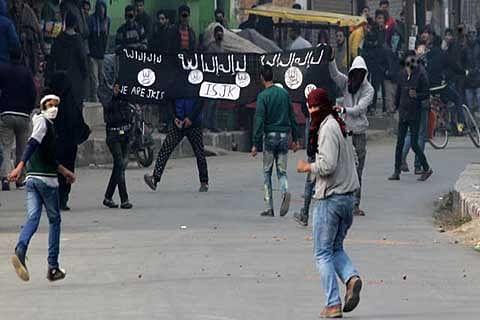 Daesh, ISIS don't represent Islam: Geelani