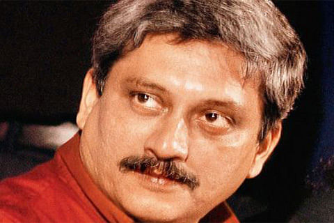 Parrikar inaugurates first cable-stayed bridge in J&K